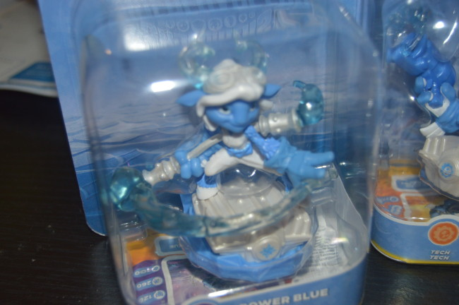 Skylanders Light It Up Blue Superchargers (4)