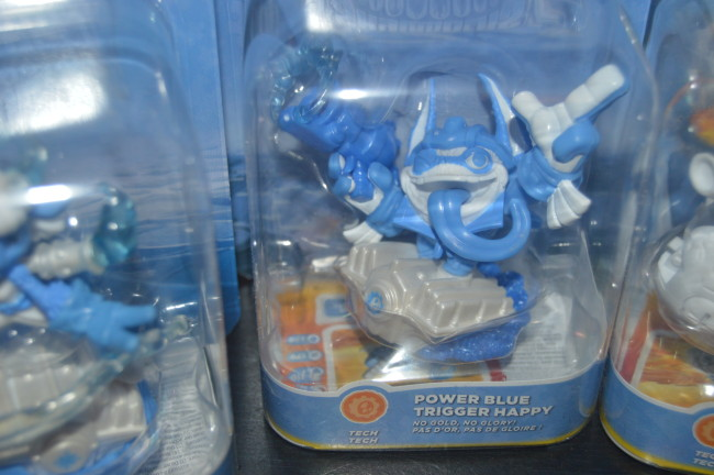 Skylanders Light It Up Blue Superchargers (5)