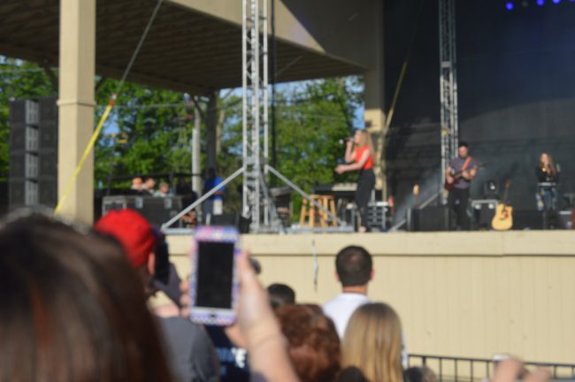 Kings Dominion Sabrina Carpenter (5)