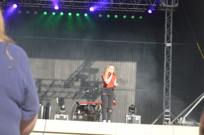 Kings Dominion Sabrina Carpenter (7)